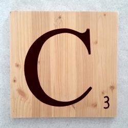 Lettres Scrabble en bois naturel noir
