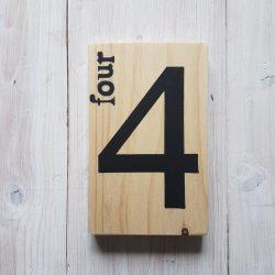 numéro four 4 pin